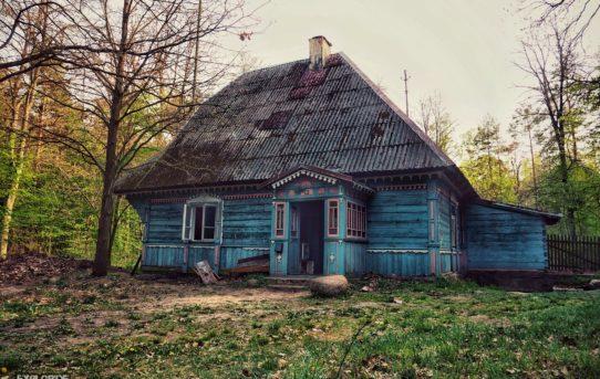 """Opuszczona Leśniczówka z horroru """"W Lesie Dziś Nie Zaśnie Nikt"""""""