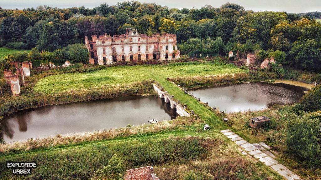 ruiny pałacu dohnów w słobitach, dwór, pałac, dohnów, mazury, opuszczone, opuszczony pałac, opuszczony dwór, warmińsko-mazurskie, zabytki, zabytek, opuszczony pałac dohnów, pałac dohnów, ruiny pałacu rodu dohnów