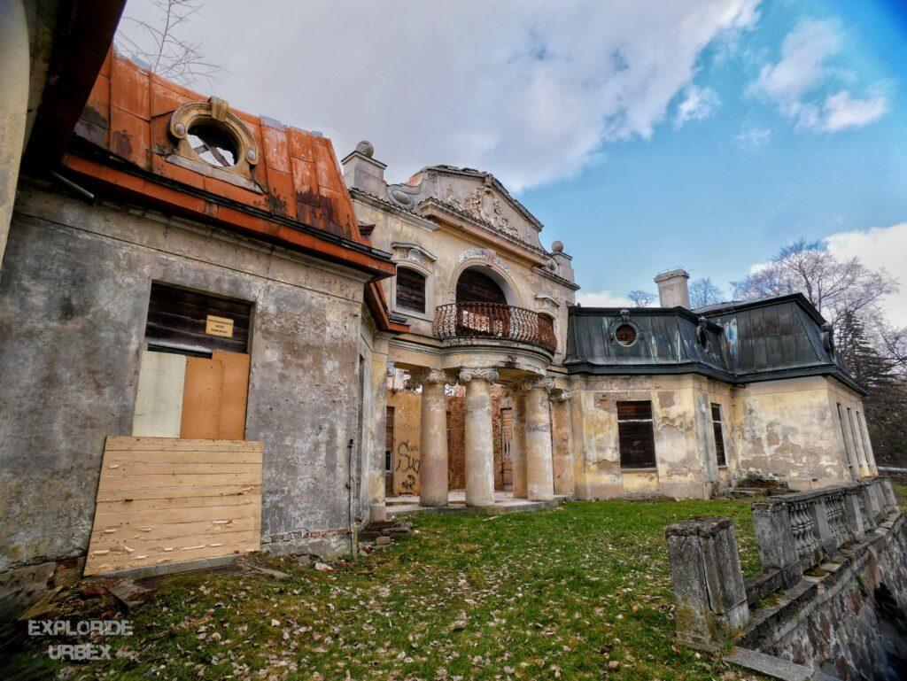 pałac rzewuskich, w bratoszewicach, bratoszewice, łódź, łódzkie, pałac z fortepianem, pałac z pianinem, opuszczony pałac, opuszczony dwór, opuszczony dworek, urbex łódź, opuszczone miejsca łódź, opuszczony pałac łódź,