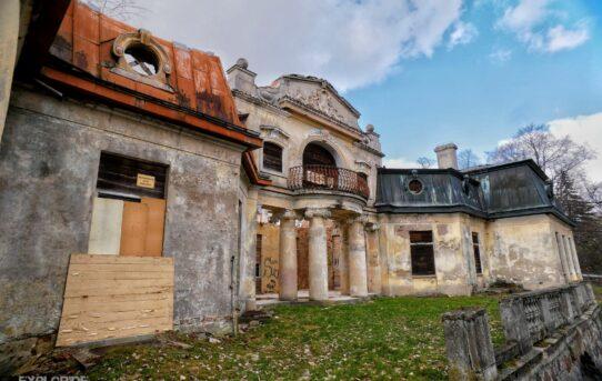 Pałac rodziny Rzewuskich